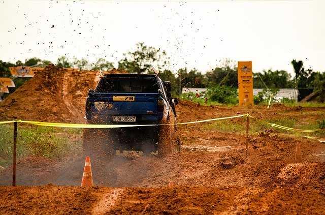 cómo Conducir - manejar  en fango