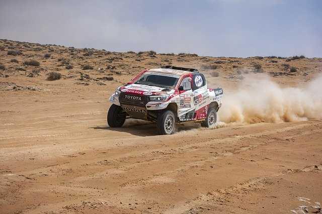 cómo Conducir - manejar en arena Cómo conducir una camioneta 4x4 en arena