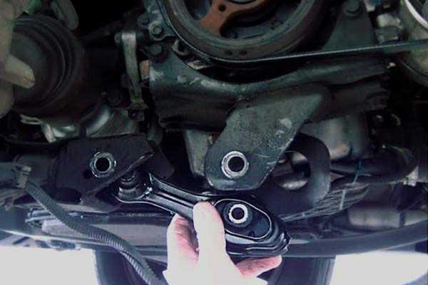 cambiar-soportes-del-motor